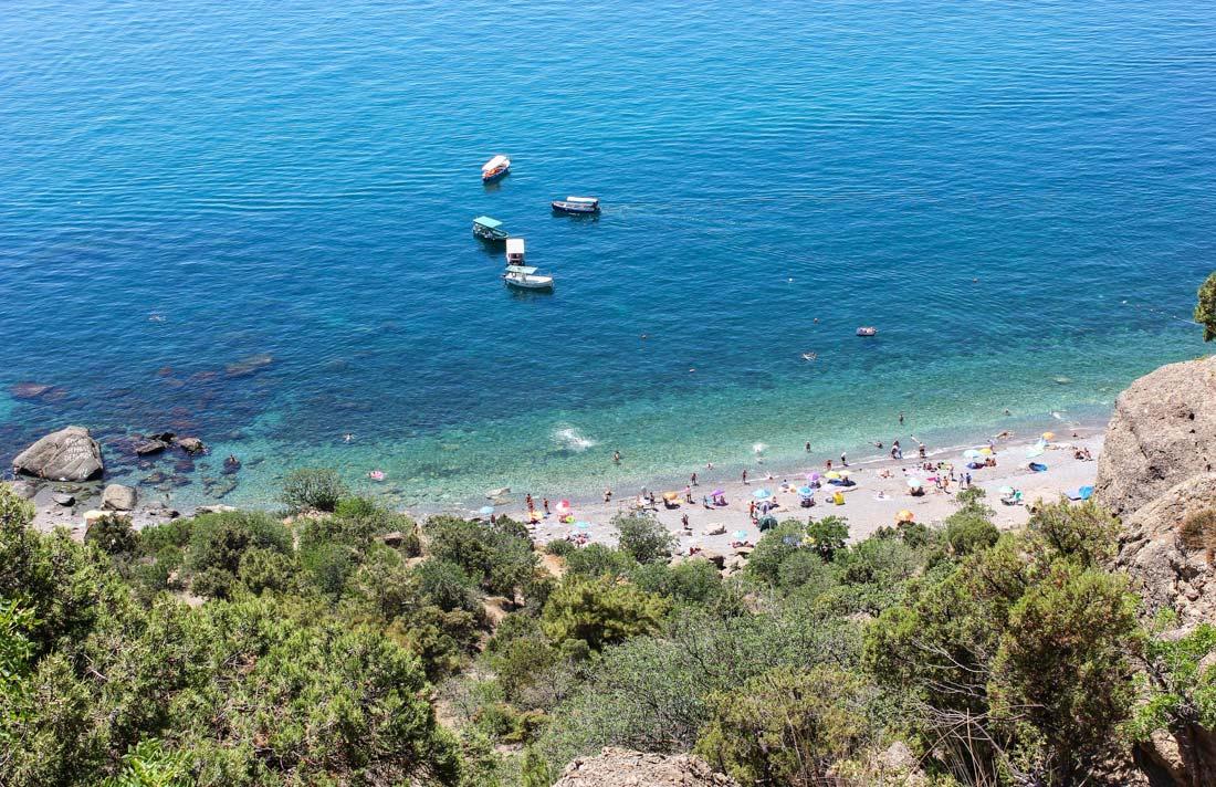Золотой пляж Балаклава вид сверху