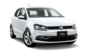 Volkswagen Polo Highline на белом фоне